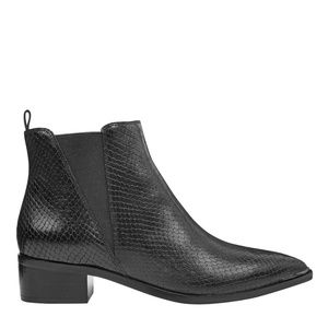 MARC FISHER LTD Yale Bootie Embossed Black 8.5
